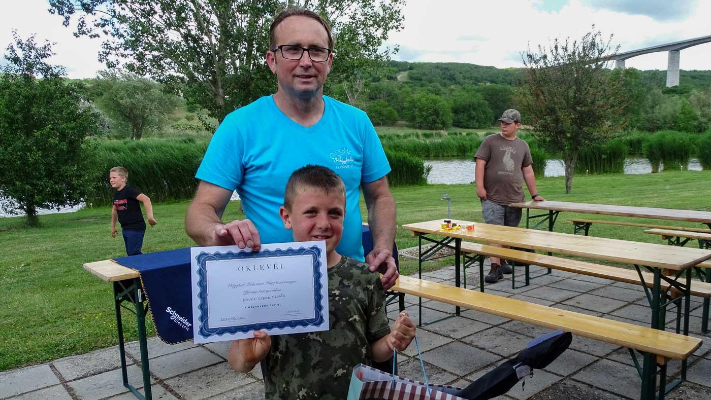 Ifjúsági kategória halak össztömege szerinti 1. helyezett Kövér Gábor Olivér lett.