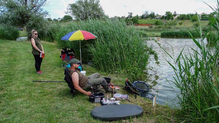 Horgászverseny horgászok Kőröshegyen