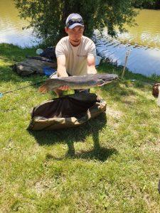 A kőröshegyi horgászversenyen szürke harcsák is horogra akadtak