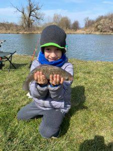 A Völgyhídi Tavon a gyerekek is könnyen fognak halat.