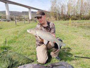Amúr horgászati módszerei a Völgyhídi Tavakon