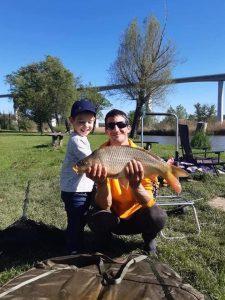 idilli családii környezet egy hangulatos horgászathoz a Völgyhídi Horgásztavon