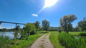 idilli természeti környezet egy hangulatos horgászathoz a Völgyhídi Horgásztavon
